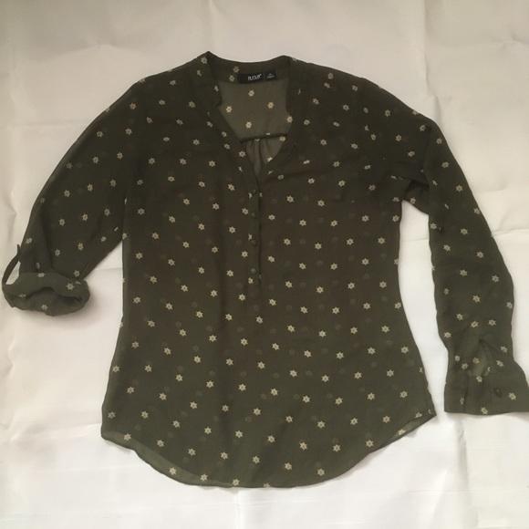 A.N.A. Green chiffon print button front blouse